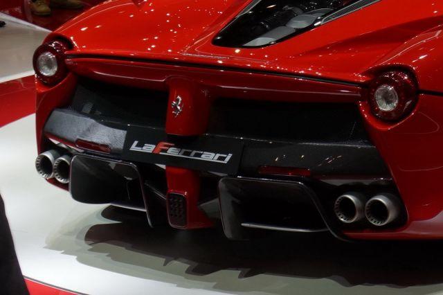 [Resim: alb_65_19_Ferrari-La-Ferrari-15%5B2%5D.jpg]